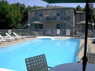 Timber Ridge Resort outdoor pool, Mark Twain Lake